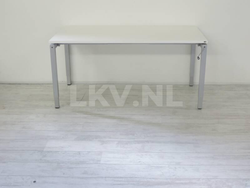 Kantoormeubilair bureaustoelen bureaustoelen for Ladenblok bureau wit