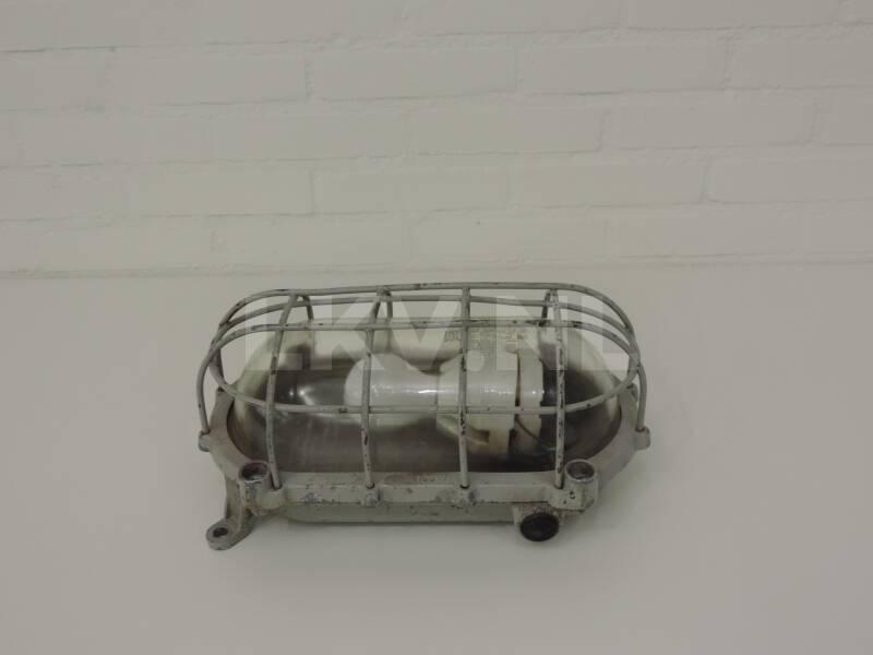 Gebruikte Industriele Lampen : Industriële vintage lamp lkv