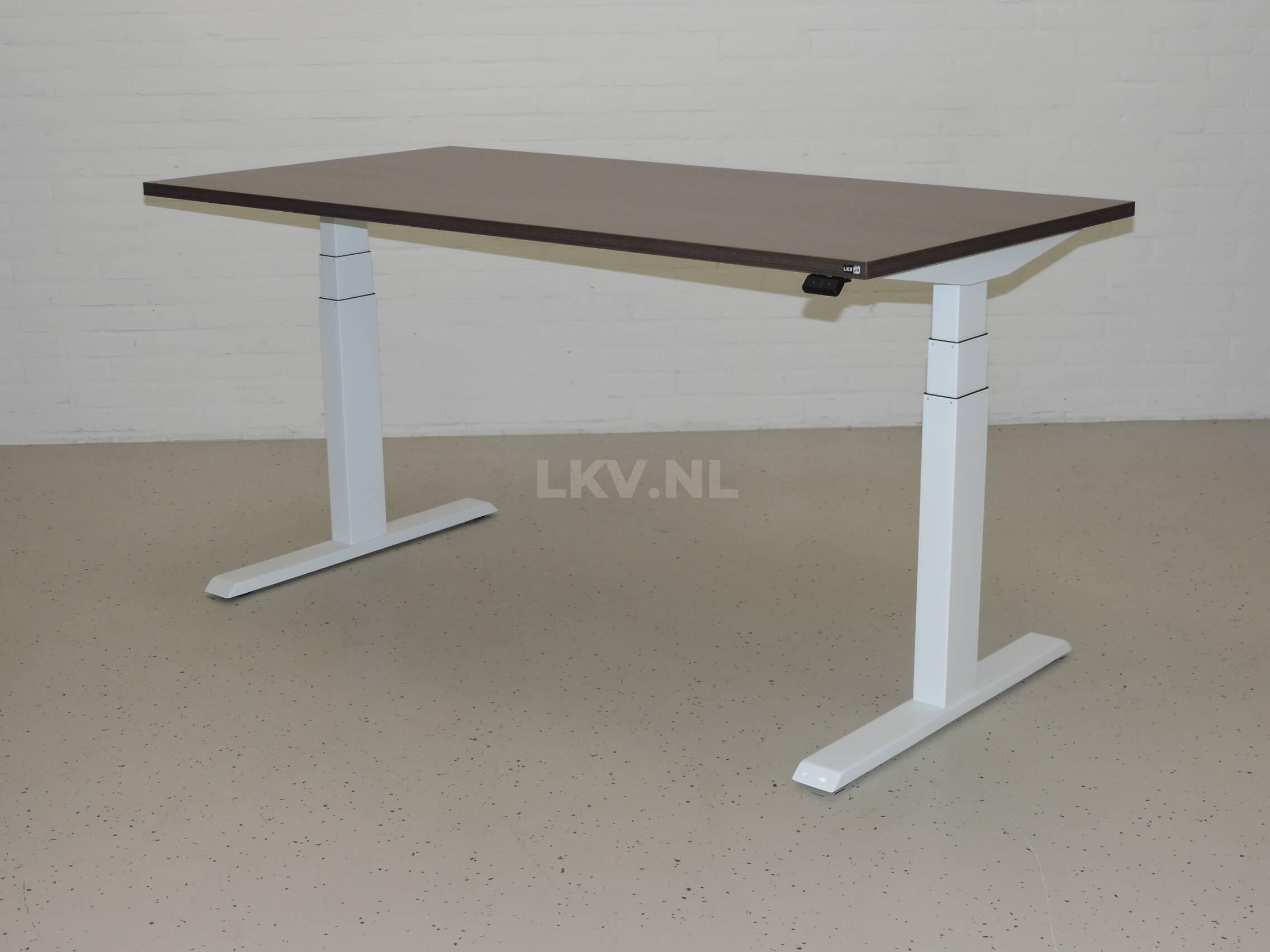 Zit-sta bureau GT-SF met wit frame en eiken donker blad - hoogste stand